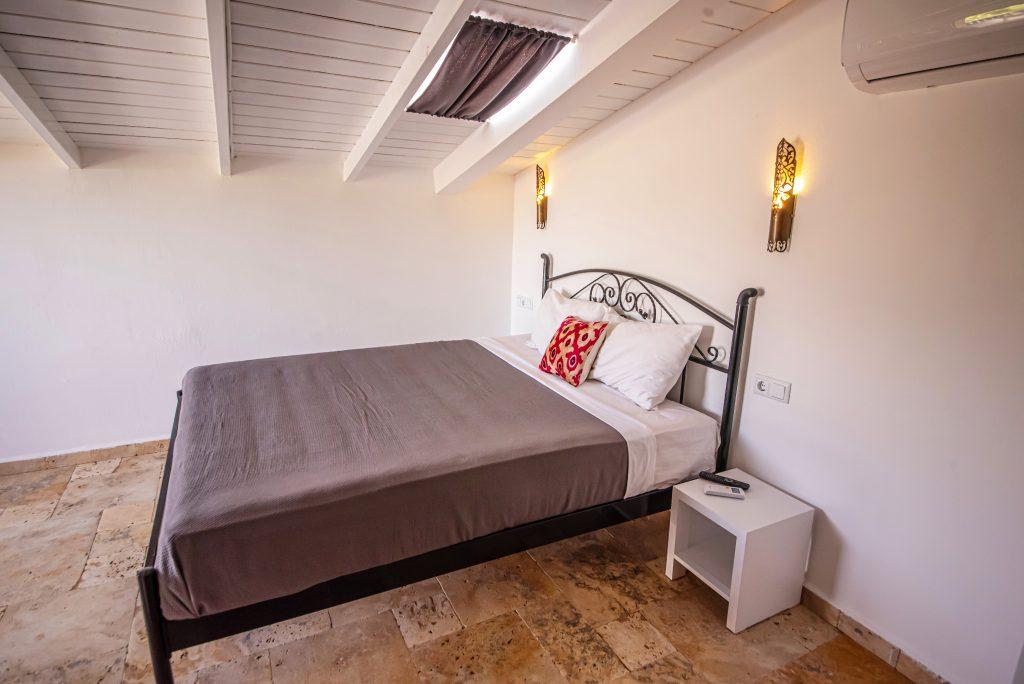 Çatı Odası